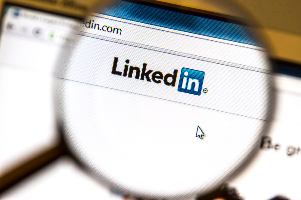 10 Tips to Drive More Blog Traffic From LinkedIn